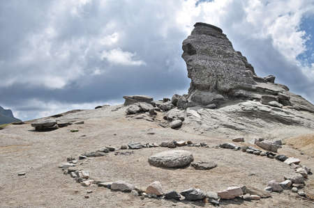 esfinge: La Esfinge - monta�as de Bucegi, una maravilla natural.