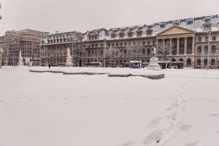 bucuresti: Bucharest, Romania – January 17, 2016: Bucharest downtown after massive snowing that caused traffic chaos much of the traffic in urban Bucharest was jammed.