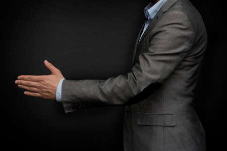 cerrando negocio: hombre de negocios de cerrar un acuerdo Foto de archivo