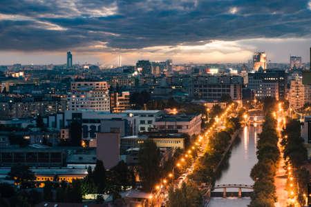 Boekarest stadslandschap 's nachts