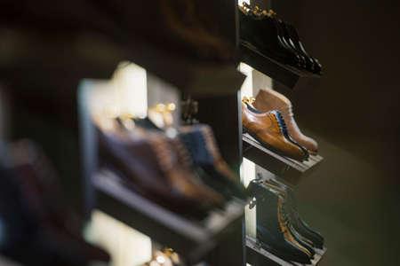 Men shoes in a luxury store in Paris. Banque d'images