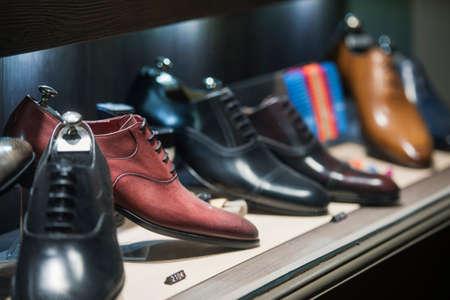 Men shoes in a luxury store in Paris. Foto de archivo