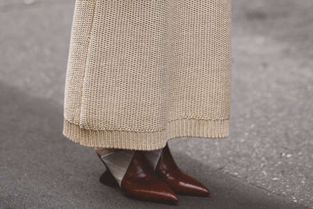 Street style outfits 版權商用圖片