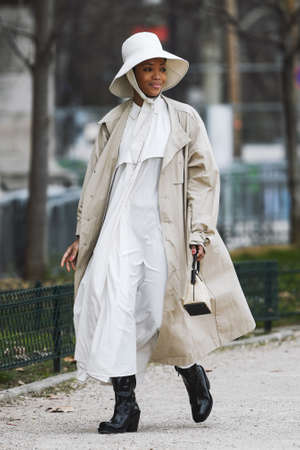 Paris, France - February 28, 2019: Street style outfit -  before a fashion show during Paris Fashion Week - PFWFW19 Publikacyjne
