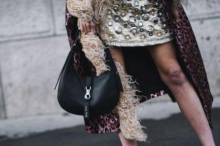 Paris, France - March 5, 2019: Street style detail after a fashion show during Paris Fashion Week - PFWFW19 Publikacyjne