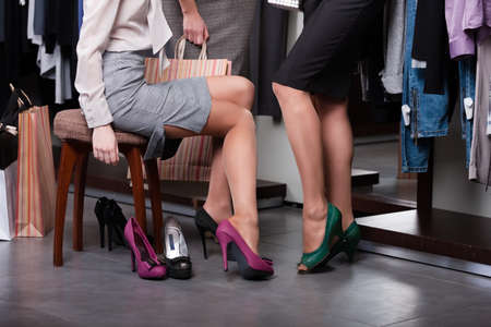 chose: Cercando di scarpe col tacco alto fucsia