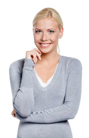 grigiastro: Mezza lunghezza ritratto di donna sorridente, isolato su bianco
