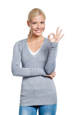 grigiastro: Mezza lunghezza ritratto di ragazza ok gesticolare, isolato su bianco