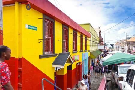 ST GEORGES, GRENADA - JANUARY 6, 2018: Friday market in St Georges on the caribbean island of Grenada. Éditoriale