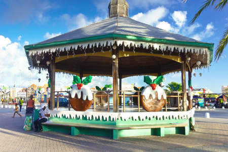 WILLEMSTAD, CURACAO - JANUARY 9, 2018: Colorful Christmas decorations on a pavilion in Willemstad, Caribbean. Éditoriale