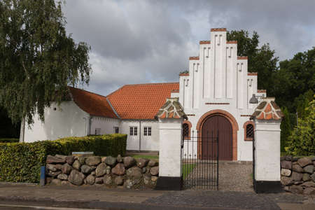 roof ridge: Chapel of the Church of Lindelse, Langeland