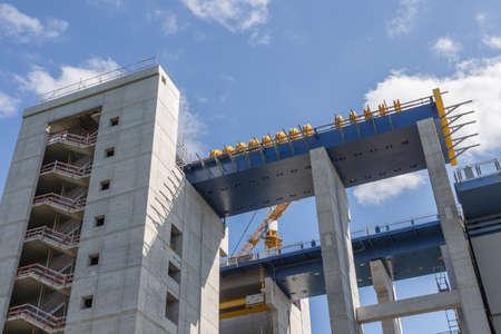 poleas: obra de construcci�n del nuevo elevador de barcos en Niederfinow Brandenburgo