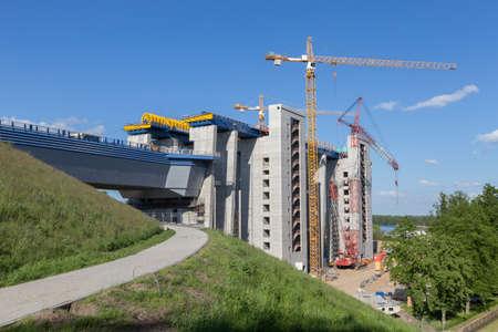 poleas: Altas Gr�as en el emplazamiento de la obra para el elevador de barcos en Niederfinow