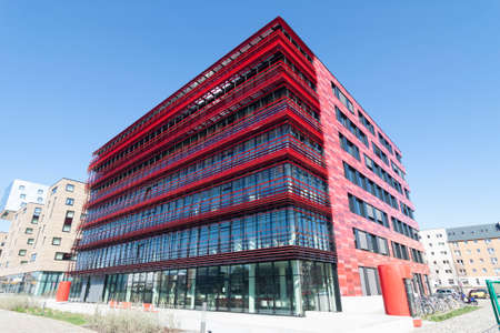 treptow: Red construction of a new office building on the Spree