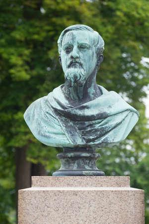 verdigris: Bust of the former Danish King Frederik VII