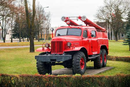 coche de bomberos: Vintage Soviet Vintage Fire Truck like monument Foto de archivo