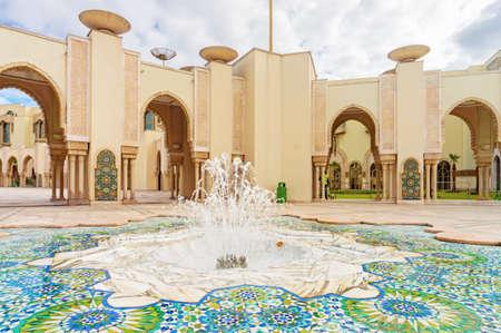 Fontein in de torenmoskee Hassan II in Casablanca, Marokko Stockfoto