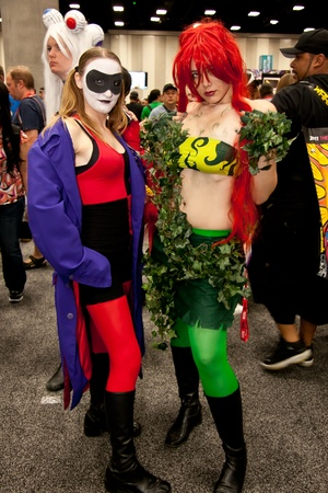 San Diego Comic Con July 21-24, 2011. The world?s largest convention of its kind featuring media, movies, comic books, anime, entertainment, video games and more! Photo of cute girls dressed as Harlequin and Poison Ivy taken on July 23rd, 2011. Sajtókép