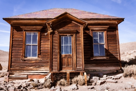 old mining building: Small abandoned old house in Bodie ghost town