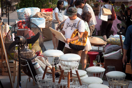 People do the shopping at flea market