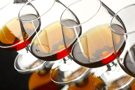 glases: glases of brandy