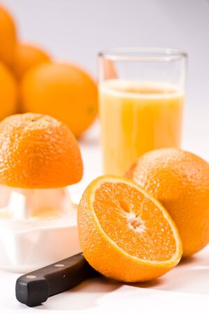 vaso de jugo: serie de beber: Jugo de naranja con fruta fresca
