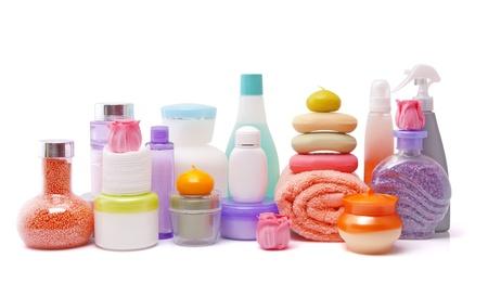 grote verzameling van diverse cosmetica op wit wordt geïsoleerd Stockfoto