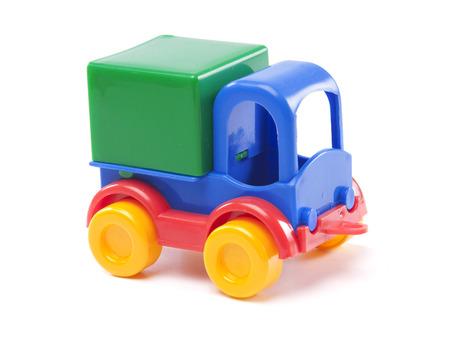 speelgoed vrachtwagen op een witte achtergrond