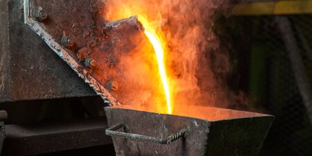 smelting plant: Molting gold at a factory in Russia