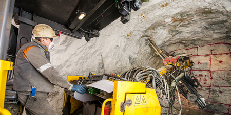 tunneling: Gold mining underground. Drilling and explosive works.