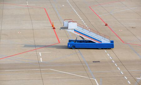 ladder airport equipment alone airfield delay nobody Stok Fotoğraf
