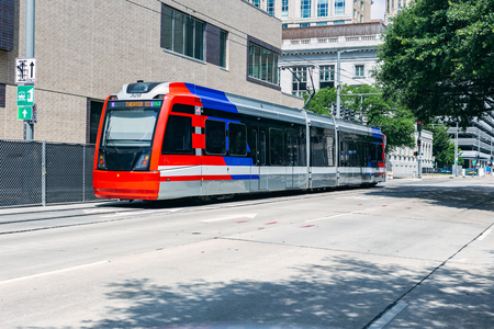 Public Transit train in downtown Houston texas 新聞圖片