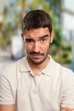 dudando: Chico Preocupado dudar Foto de archivo