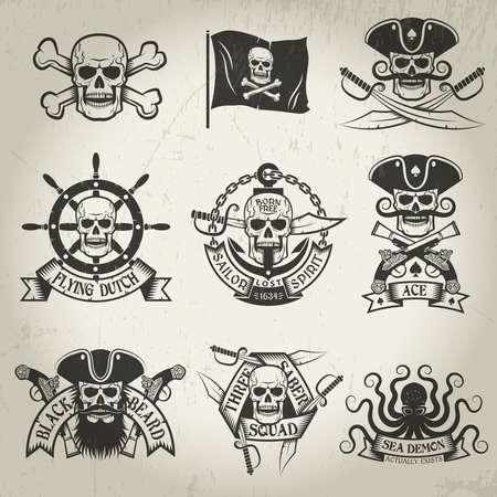 segni pirata impostato. Jolly Roger, teschio e ossa incrociate, bandiera pirata, sciabole incrociate, demone del mare, il cranio in un cappello a tre punte. Tutti i loghi possono essere facilmente smontati. texture shabby e sfondi su un livello separato e possono essere facilmente rimossi. Vettoriali
