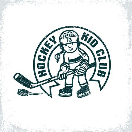 Kinder retro embleem voor de hockeyclub. Jongen in uniform en helm met stok en puck. Versleten textuur op een aparte laag en kan gemakkelijk worden uitgeschakeld.