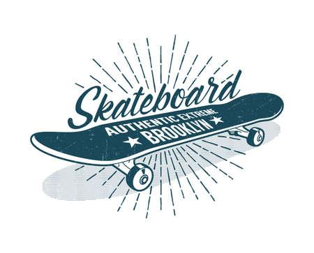 Skateboarding vintage print con patineta clásica e inscripciones Foto de archivo - 99569184