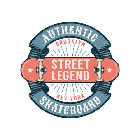 Logotipo de skate de hipster con cinta redonda y patineta invertida. Texturas gastadas en una capa separada.