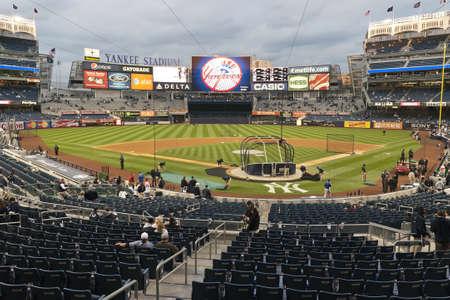 yankees: Yankee Stadium field  Bronx, NY