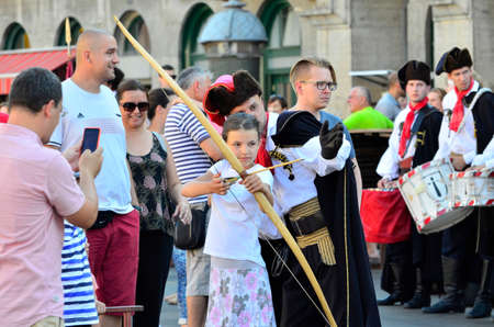 cravat: Zagreb, Croatia. 10th July 2016. Celebration of Day of the Cravat Regiment on the Dolac market.Citizens and tourists took part in the military challenges.