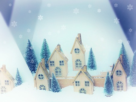 Beautiful Christmas background greeting card. Winter scenery snow forest and houses. New Year Zdjęcie Seryjne - 112189791