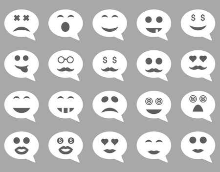 carita feliz: Chatear iconos de la emoci�n sonrisa. estilo conjunto de pictogramas son im�genes planas bicolor, s�mbolos gris oscuro y blanco, aislado en un fondo de plata.
