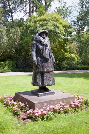 wilhelmina: statue of queen wilhelmina in the dutch town of utrecht