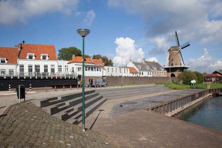 Wijk bij Duurstede in Nederland gezien vanaf de haven Stockfoto - 32968491
