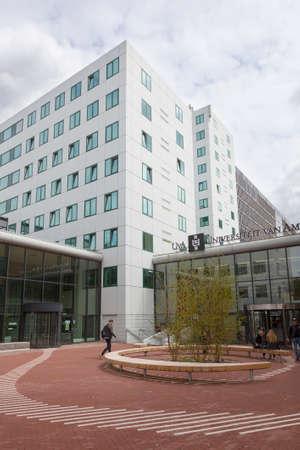 edificio escuela: nueva arquitectura de la Universidad de Ámsterdam en roeterseiland en el centro de la ciudad