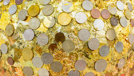 gloden: Thai Coins in Temple2
