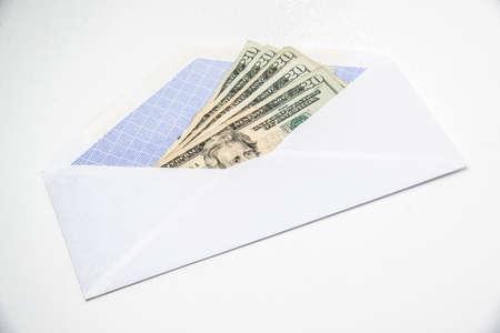 envelop: five twenty dollar bills in envelop