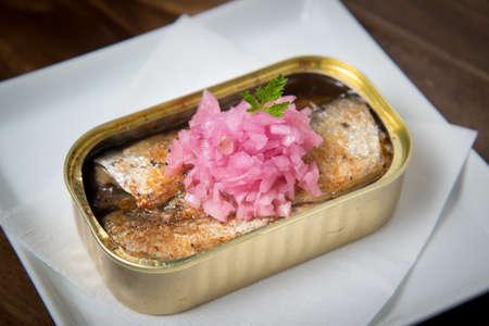 sardine can: cooked oil sardine
