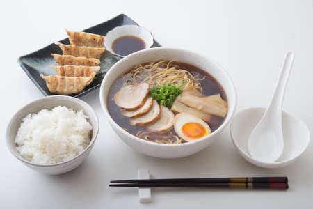 traditional tokyo style ramen with dumpling Stockfoto