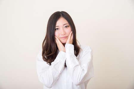 young asian woman posing Foto de archivo
