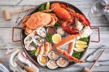 gorgeous seafood platter image 写真素材
